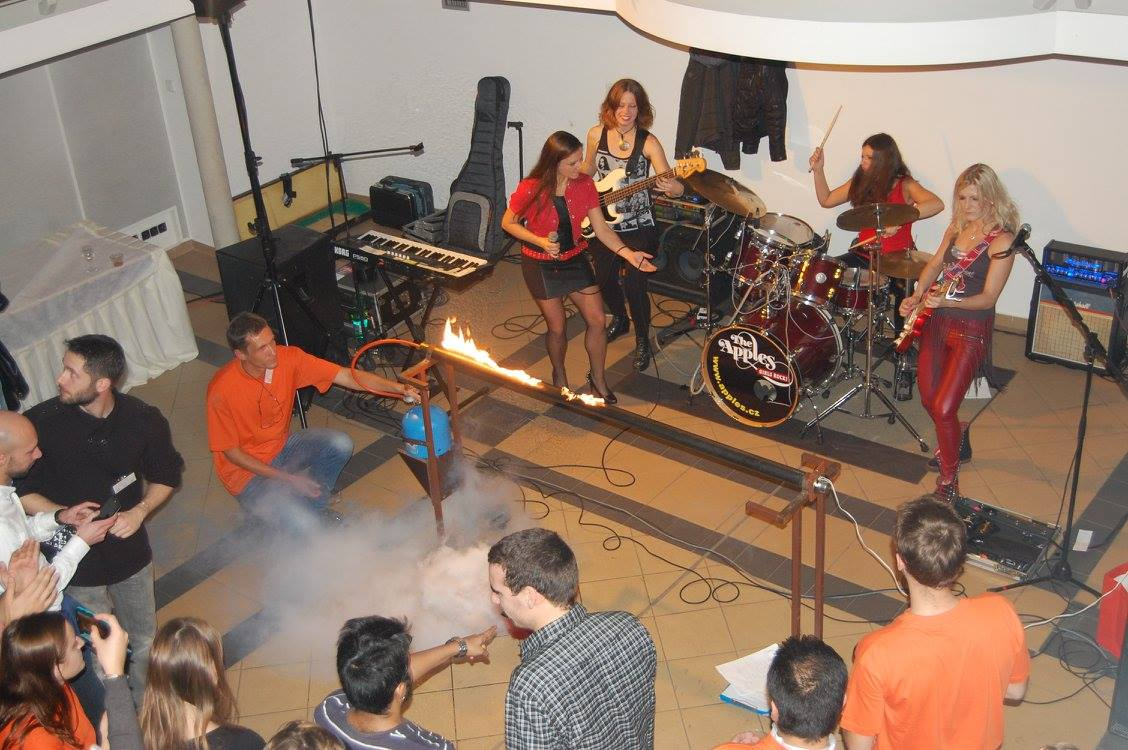 Welcome Party at the FuseNet PhD event with Rock band Apples and Fire!